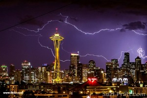 seattle lighting thunder
